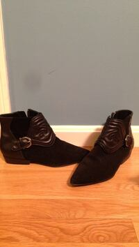 ZARA real leather suede booties. Woe jus once. Size 7.5. Great quality