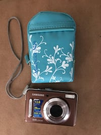 Samsung  L310W 13.6 Mega Pixels camera with case