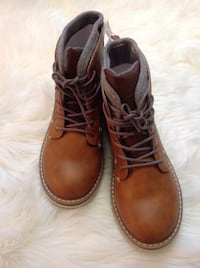 Brand new with tags boys old navy boots size 5 London, N5W 3T7