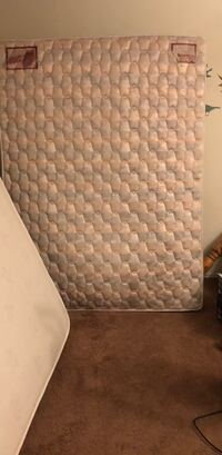 quilted white and gray mattress Los Angeles, 91401