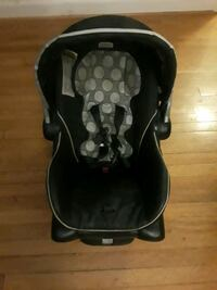 baby's black and gray car seat carrier Hyattsville, 20783