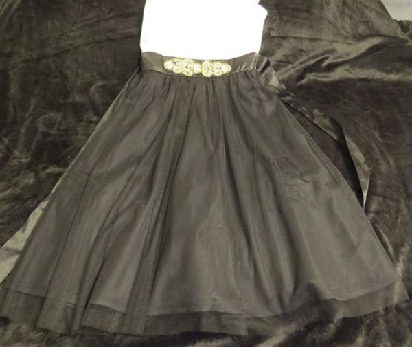 BEAUTIFUL BLACK AND WHITE SHEER ALL OCASSION DRESS SIZE 7. ASKING $25.00 818efe53-0d68-4365-8f13-e80d16d78c72