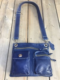 210$-ROOTS*gorgeous village bag limited edition dark blue denim colour NEW CONDITION-spotless inside /out smoke free home  London, N5W 6E4