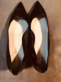Christian Dior of Paris low pointy pumps.