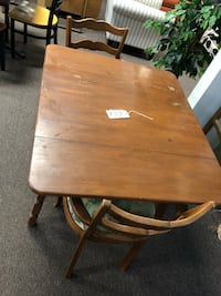 Table Indianapolis, 46229