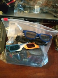 12 PAIRS OF 3-D GLASSES