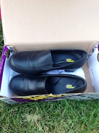 Slip resistant shoes new!