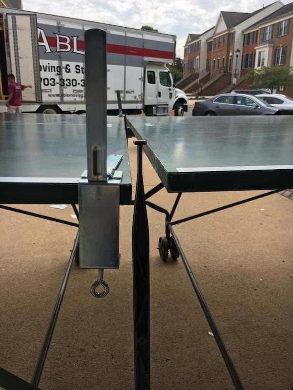 Ping pong table with Net Paddles and balls 5ba3ba69-7809-48fe-897e-292399381587