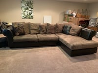 Sectional Laurel, 20723