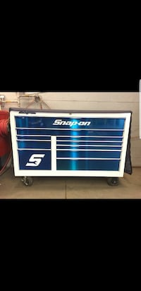 blue and white Snap-on tool chest Laval, H7N 6J1