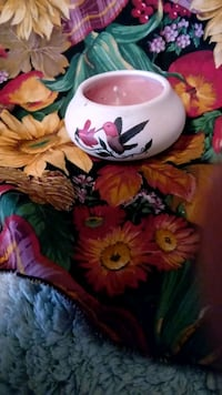 white and red floral ceramic pitcher Hull, 30646