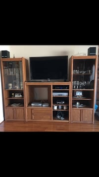SOLID WOOD Entertainment Unit / Bar Markham