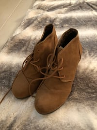 pair of brown suede wedge shoes Palm Beach Gardens, 33418
