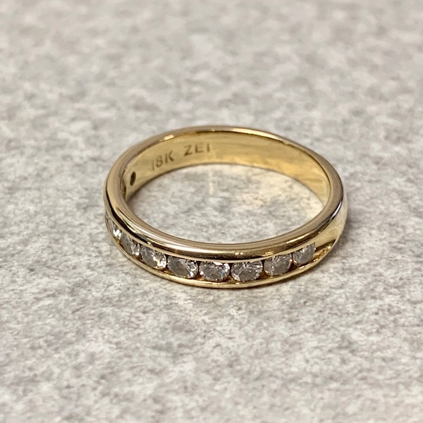 Genuine 18k Gold Diamond Wedding Band Ring 60426046-e52d-4df5-8853-14d4cdfb63d2