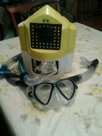 Live bait bucket and snorkelling mask  North Port, 34286