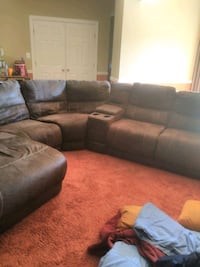 couch for sell price neg Woodbridge, 22191