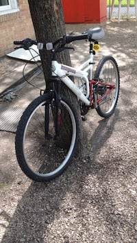 White and black full-suspension bike .size 26 Winnipeg, R2M 3B7