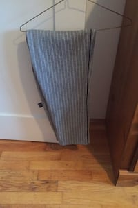 Casual grey pants. Size large