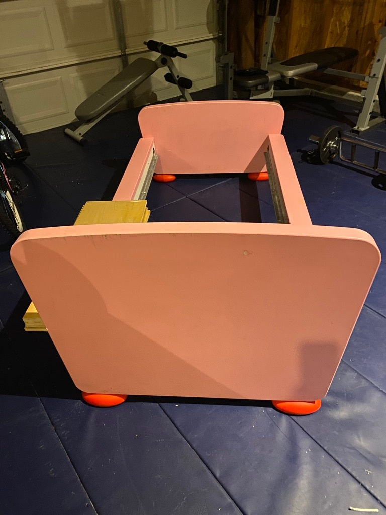 Photo Pink toddler bed