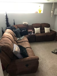 Brown lazy boy 6-seat sectional couch Abbotsford, V2S 1E5