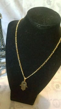 gold chain necklace with pendant Worcester, 01605