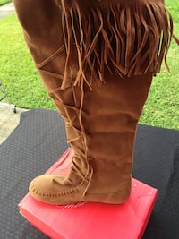 Moccasin Boots Size 10