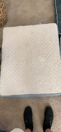 Dog bed. Bought for $89. GREAT CONDITION  Matthews, 28105