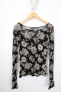 Brandy Melville Long Sleeve Floral Top Toronto, M2M 1C6
