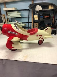 Airplane pedal car