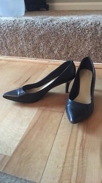 NineWest navy  pump size 8 Sterling, 20165