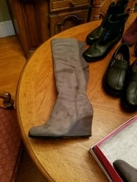 Gray wedge boots sz 9