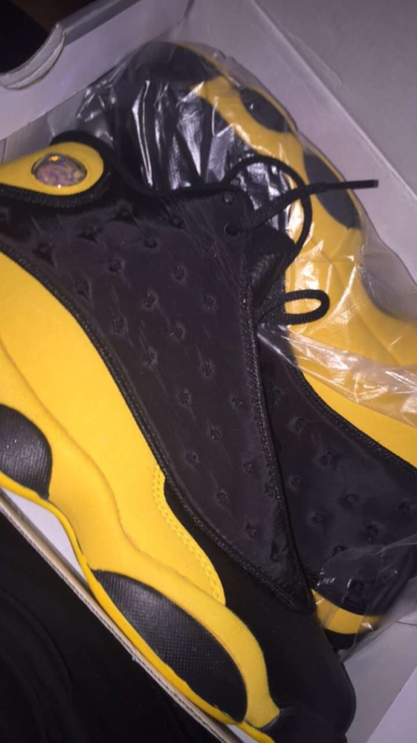 brand new fd81e ba568 Black and yellow 13s