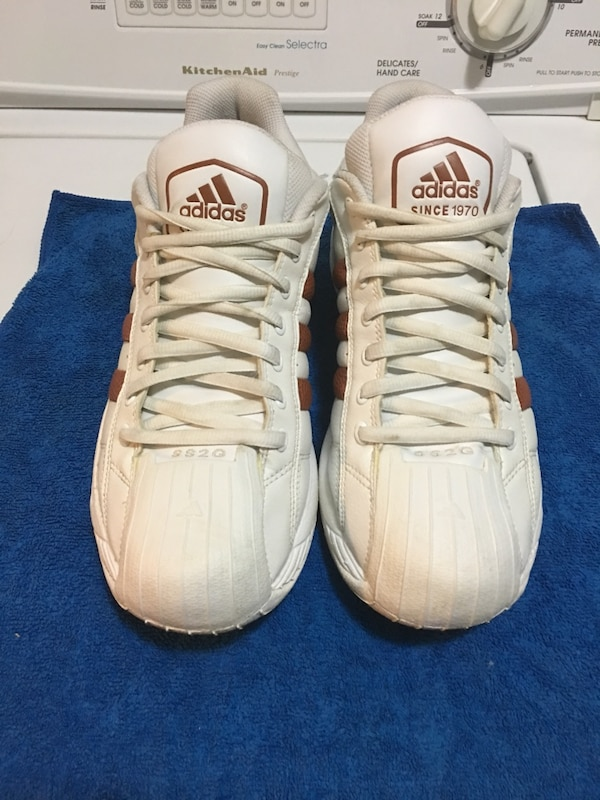 6ad1e578064e Used Adidas SS2G basketball shoes for sale in Coquitlam - letgo