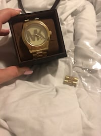 Michael Kors women's gold oversized runway watch retails for $400 Coral Springs, 33071