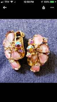 Beautiful vintage clip earrings Pace, 32571