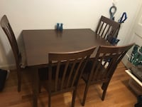 Dining table and chairs Arlington, 22205