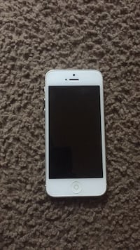 White iphone5 Temple Hills, 20748