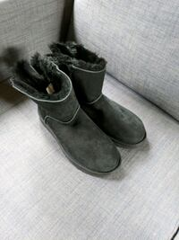Ugg boots Seattle, 98136