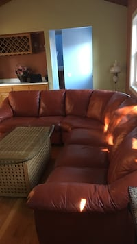 Large Red leather sectional sofa Saint Helena, 94574