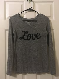 """American Eagle Outfitters """"Love"""" Shirt"""