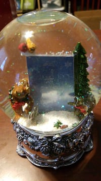 CHRISTMAS musical snowglobe with sd pace to insert picture  Baltimore, 21205