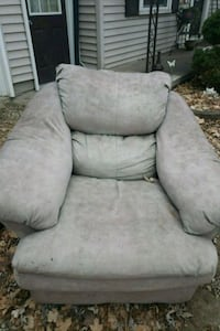 Overstuffed chair East Lansing, 48823