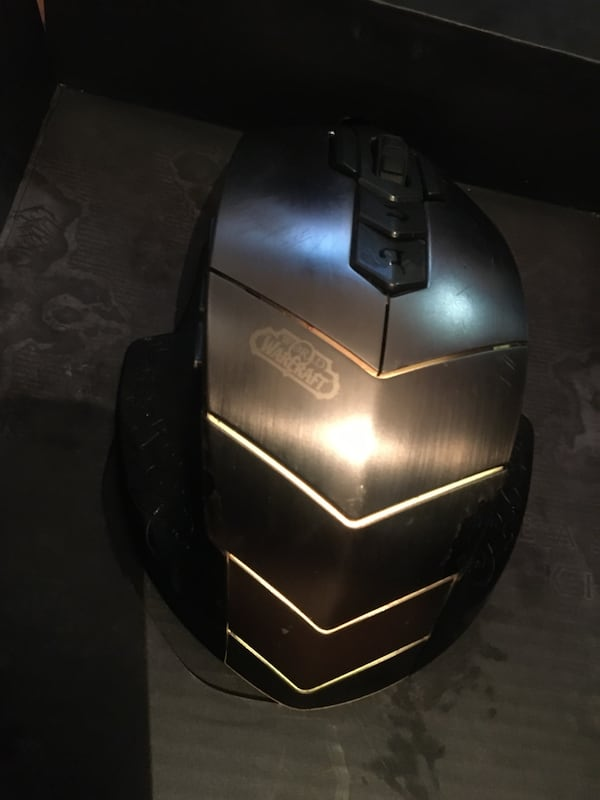 SteelSeries WoW edition gamer mouse 9648ace2-3117-466c-a49c-0f6455a68a4e