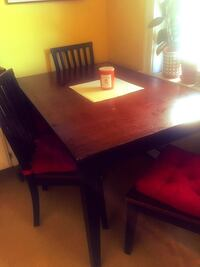 Kitchen table and 4 chairs (w/ cushions)!