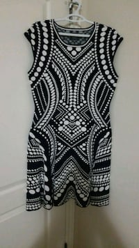 Black and white dress London, N6K 5C7