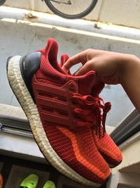 ultraboost red 2.0 size 8 Toronto, M2R