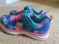 pair of blue-and-pink Nike running shoes Piedmont, 29673