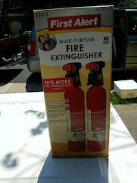 2 fire extingushers