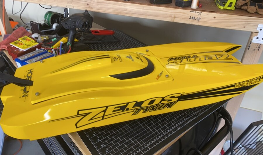 Photo Zelos 36 twin RC Boat with a few upgrades