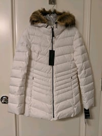 White down puffer jacket w/hood size XS, Brand new Denver, 80205